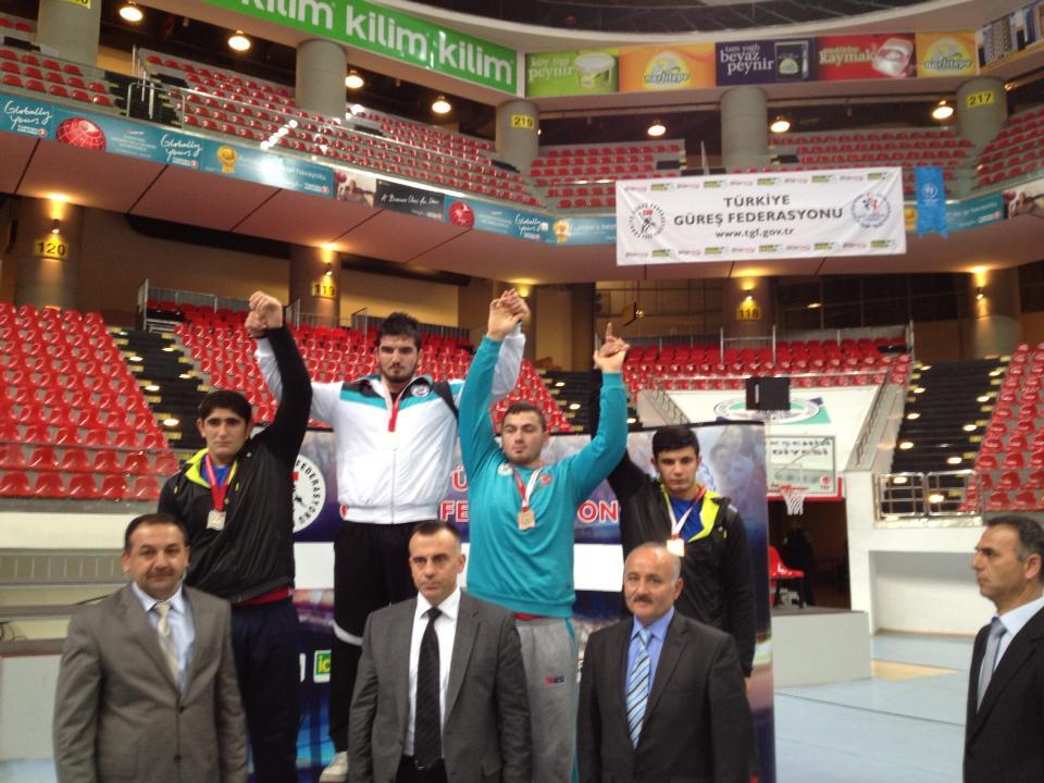 Gençler Grekoromen Türkiye Şampiyonası 2.gün  55kg,  66kg ve 96 kg'da yapılan müsabakalar sonucunda şampiyonlar belli oldu.  sikletlerinde ilk üç dereceye giren sporcularımız şöyle;