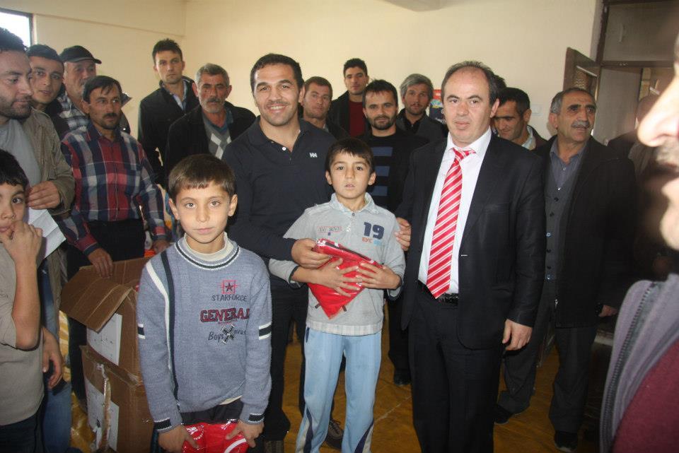 Seyrani Günaş Tarafından kurulan Tokat Yeşilyurt çıkrık kasabası Güreş Takımı