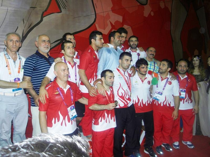 17.Akdeniz Oyunlarının Güreş Branşında Şampiyonu TÜRKİYE  Son gün Eehan,Soner ve Rıza Altın alarak sayıyı rekor olarak 14'e çıkardı..