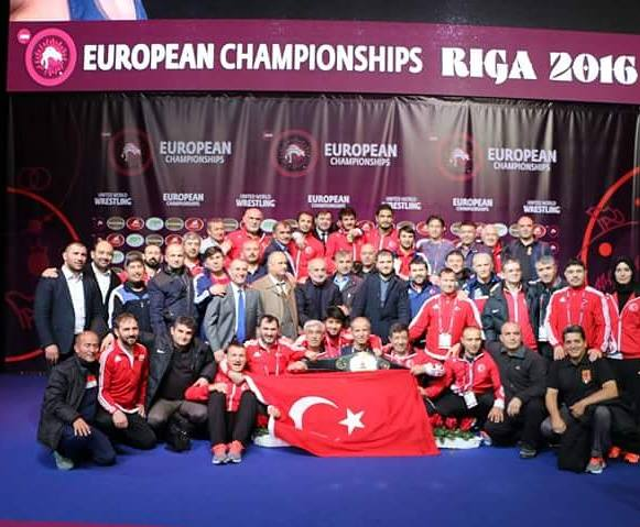 Güreşe iki ödül birden; 1.Biri kurumsal; Yılın Federasyonu: Güreş Federasyonu 2.Ferdi; Yılın Erkek Sporcusu: Taha Akgül (Olimpiyat Şampiyonu-Güreş)
