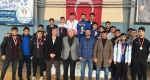 Güreşiyorum Porte 135,136,137 İzmir/1./2./3.Bölüm